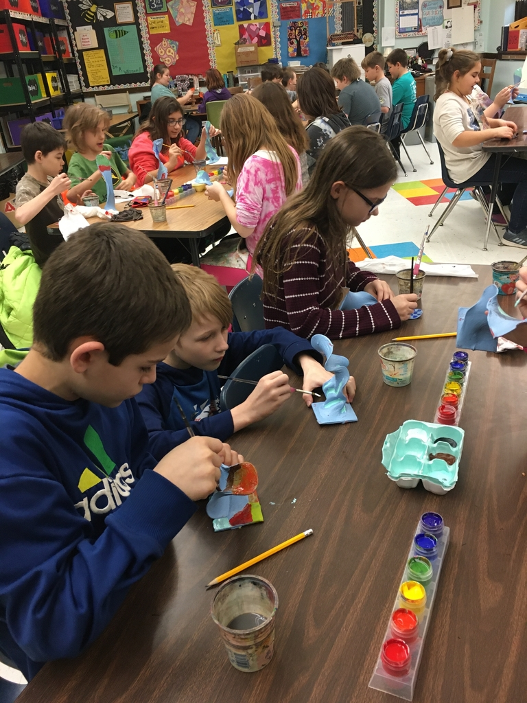 4th grade Art students working on their 3-D organic sculptures